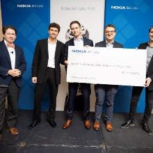 The doctoral students of the INÜ, Sebastian Cammerer, Sebastian Dörner and Maximilian Arnold and Prof. Stephan ten Brink, head of the INÜ as winners of the Bell Labs prizes
