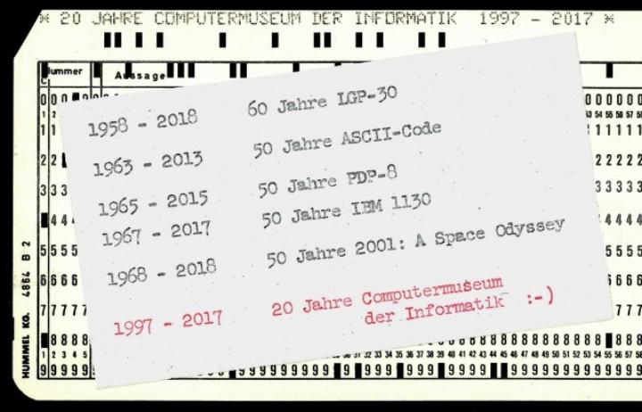 Lochkarte mit Daten des Computermuseums zum Jubiläum
